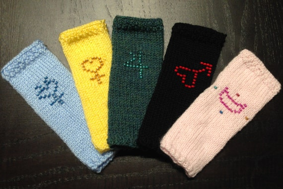 Items similar to Sailor Moon inspired Fingerless Gloves ...