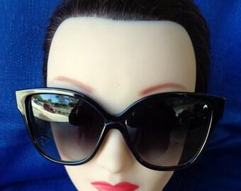Ladies Vintage Oversized Black Sunglasses