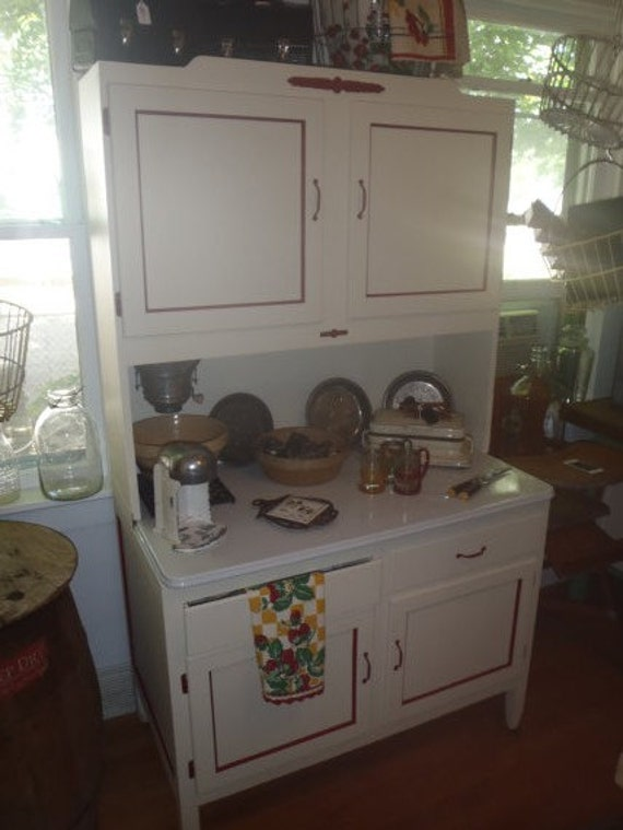 Vintage 1920s kitchen hoosier cabinet by paintedladyantiques for 1920 kitchen cabinets