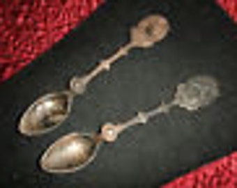 Holland Silver Plate Spoons Christmas 1979 & 1982 Beautiful and Vintage