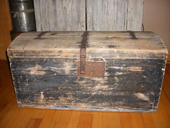 rustic primitive black grey distressed wooden storage. Black Bedroom Furniture Sets. Home Design Ideas