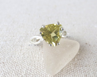 R121 Lemon Lime Citrine Trillion Solitaire Ring set in Sterling Silver-Genuine Natural