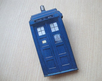 Dr Who Blue Tardis Police Box - Dr Who Tardis Brooch or Magnet on Laser Cut Wood -  Fun Gift for Him/Her - Don't Blink - Magnet or Brooch