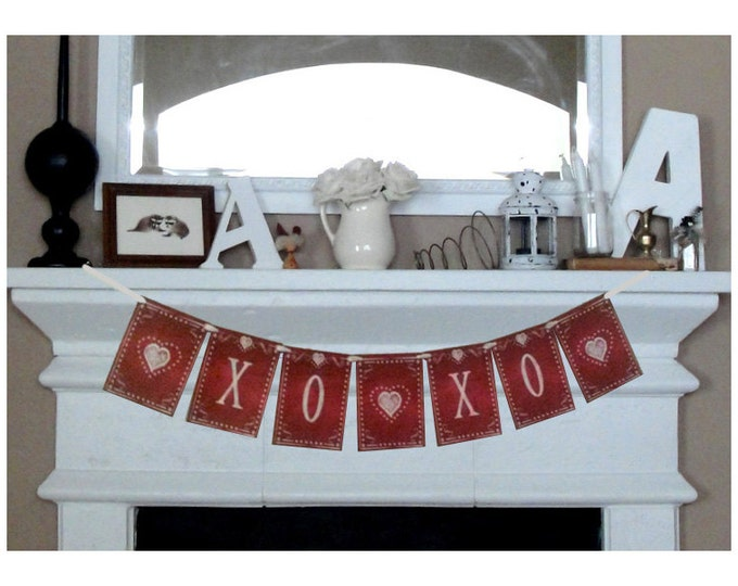 XOXOXOXO large Valentines Day Banner - Download and Printable - DIY - Chalkboard style -Red and White