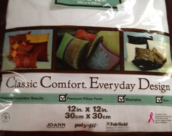 Pillow Form 12x12 in. 30x30 cm Pillow stuffing Washable Non-Allergenic Zipper closure