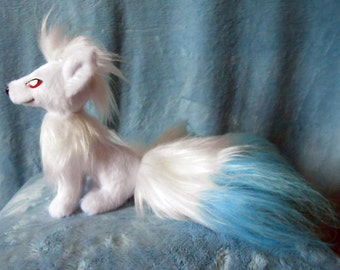 Pokemon inspired sitting shiny Ninetales Ninetails Kyukon (20 cm high plush, small size) plushie made of minky and faux fur, super cuddly!