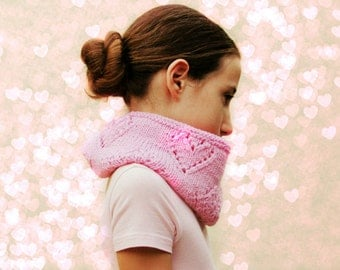 Pink infinity scarf for girl / Cowl heart lace / Sweet Knitted scarf / Alpaca Wool Handmade / pink blush / winter scarf / Choose your color