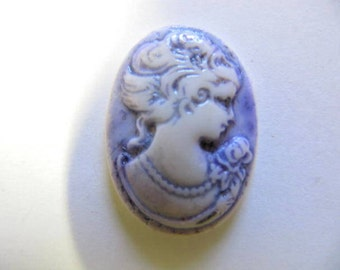 Cameo, Hand Painted, 25 x18 mm, Vintage Lady, Pendant, Resin, Acrylic, Bead Embroidery, Wire Wrapping, Cabochon, Jewelry, Cam 205