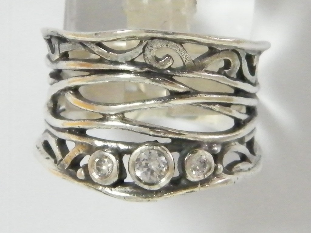 sterling silver unique wire ring with by silverlinningsjewels