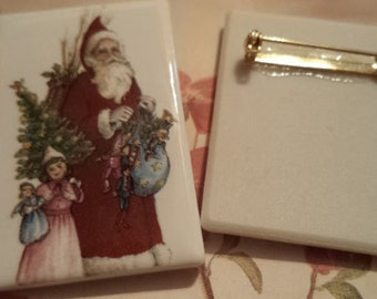 Vintage porcelain brooch pin Father Christmas Santa with gifts 44mm x 32mm 1 pc