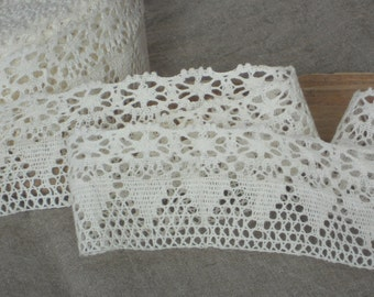 Ivory linen edge trim lace shabby chic french style lace with hearts and flowers for DIY sewing projects or wedding decor
