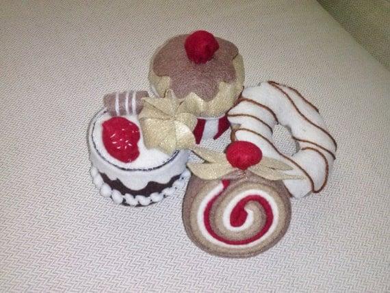 Felt cupcakes no 04/Felt cake No. 04