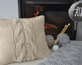 Handmade knitted pillow creamy, natural