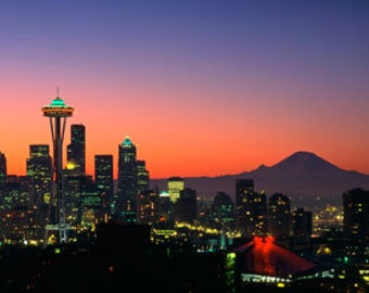 Cityscape photography - Seattle skyline at dawn in panoramic view, Mt Rainier, Spaceneedle.