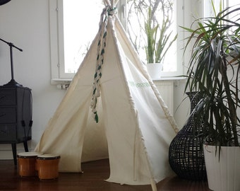 Kids 3rd hand Plain White Teepee tent Coufield