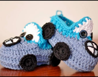Crocheted baby booties in BMW model BOY - BMW booties - crochet booties - crochet baby shoes
