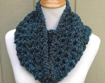 Crochet circle scarf - Womens teal cowl - Teens neck warmer - Infinity scarf - Bulky yarn cowl