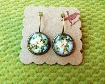 Cute White Flower Earrings