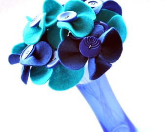 Graduation Gift / Mother's Day / Button Bouquet / Felt Flower arrangement / Floral Gift / Flowers for any occasion / wedding Flowers