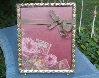 Cute Vintage Gold Picture Frame!