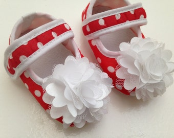 Red and white plea dots baby shoes--Newborn polka dots crib shoes