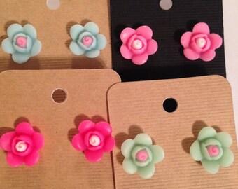 SALE!! Cute Flower Earrings lot!!