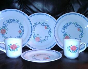 Five Piece Corelle Dinnerware set by Corning