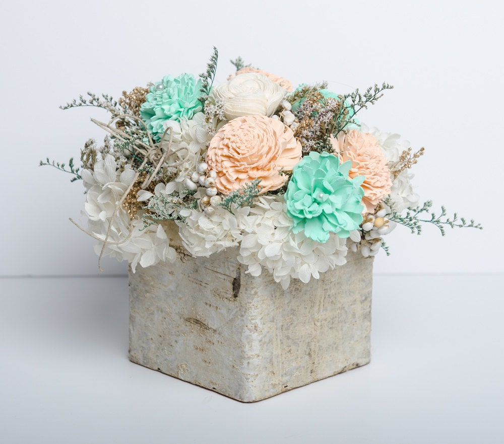 Fashion style Mint and Peach wedding centerpieces pictures for lady