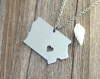I heart Iowa Necklace - Iowa Pendant - State Necklace - State Charm - Map necklace