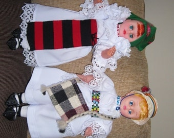 Romanian traditional costumes from Maramures - pair of doll in Romanian peasant outfits