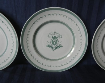 Set of three vintage ceramic Arabia of Finland green thistle handpainted dinner plates diam. 26,5 cm. In production between 1955-1970.