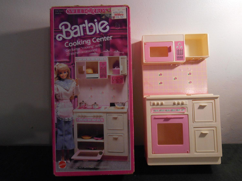 Up for sale a vintage barbie kitchen set by ahickscloset for Barbie kitchen set 90s