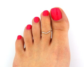 Sterling silver toe ring Chevron design adjustable toe ring Also knuckle ring (T-97)