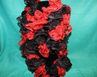 Sashay Team Spirit Ruffled Crochet Scarf Red N Black Cardinals   Handmade ET 9091958