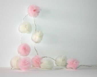 10 Led - Light string of PomPoms in ivory and pink tulle