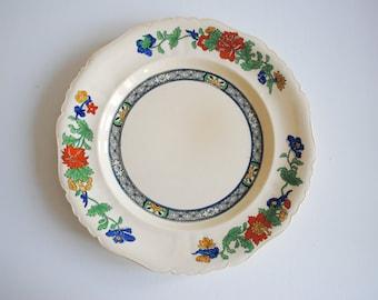 Bold 1960s Vintage Floral Dinner Plate