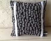 Cushion pattern trend in black and white