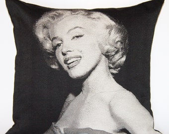 Marilyn Monroe Pillow Cushion. Only cover.
