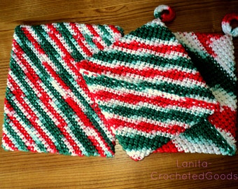 Red, white and green trivet, hotpad set