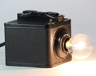 Vintage 1930's Kodak Six-16 Brownie Special Camera Nightlight – a must for any camera collector and perfect for display. Free Shipping!