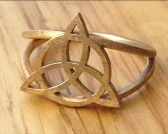 Triquetra ring