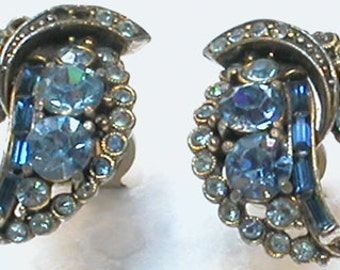 Vintage Earrings (Clips) Blue Glass