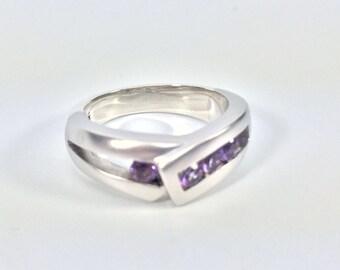 Amethyst Sterling Silver Ring // 925 Sterling Silver // Rhodium Matte Finish // Modern Design // Size 7.5