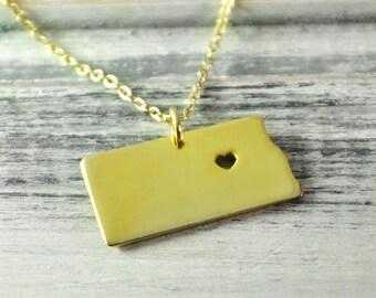 I  heart North Dakota Necklace North Dakota pendant 18K gold plated state necklace state pendant map pendant hammered state necklace