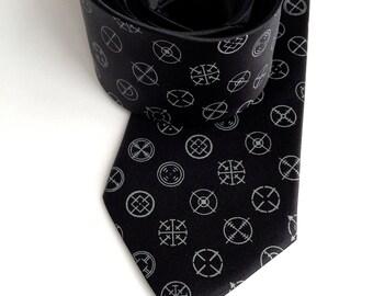 Gun sight necktie. Sniper crosshairs dot pattern. Mens silk tie. Shotgun Wedding? We can help. Your choice of color & width.