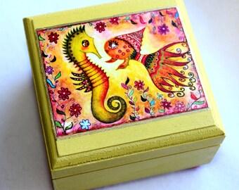 Small Jewelry Box, Seahorse Cute Fish Art Wood Box, Sea Ocean Beach Art, Friendship, Ring  Earring bOX, Nautical Art, Pink Green