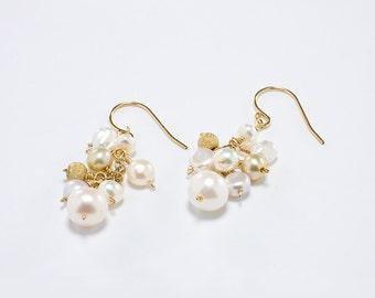 Pearl Bridal Earrings, Pearl Bridesmaid Jewelry, Pearl Cluster Earrings, Pearl Wedding Earrings, Gold, Pearl Cluster Earring,
