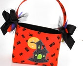 SALE  Halloween Trick or Treat bag basket fabric Applique haumted house mansion