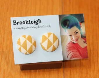 """Fabric covered earrings, 23mm (7/8""""), Retro/ Vintage /Rockabilly inspired. Mustard yellow/white geometric design"""