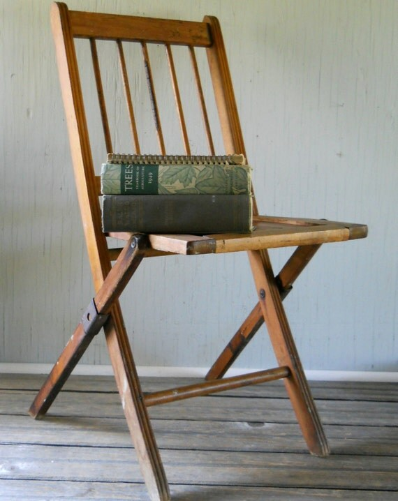 vintage wooden folding chair by lisabretrostyle2 on etsy